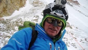 Cedric Hählen im Lager 1 auf dem Hidden Peak (Gasherbrum I)