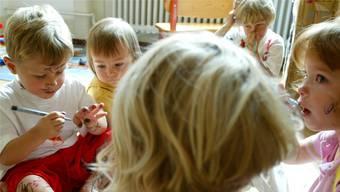 Dort, wo viele Kinder aufeinandertreffen, ist das Risiko einer Übertragung von Kinderkrankheiten höher als überall sonst.