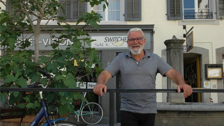 Giuseppe Melina vor dem Zollrain 6 in Aarau, wo bald sein Lebenstraum, eine eigene Gelateria, in Erfüllung geht.