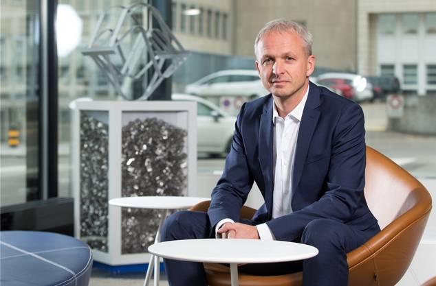 5,8 Millionen Franken bekommt Sulzer-Chef Greg Poux-Guillaume. Zu viel für ein mittelgrosses Industrieunternehmen, meinen Kritiker. Grossaktionär Vekselberg wird es egal sein.