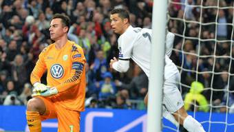 Wolfsburgs Diego Benaglio musste sich Cristiano Ronaldo dreimal geschlagen geben