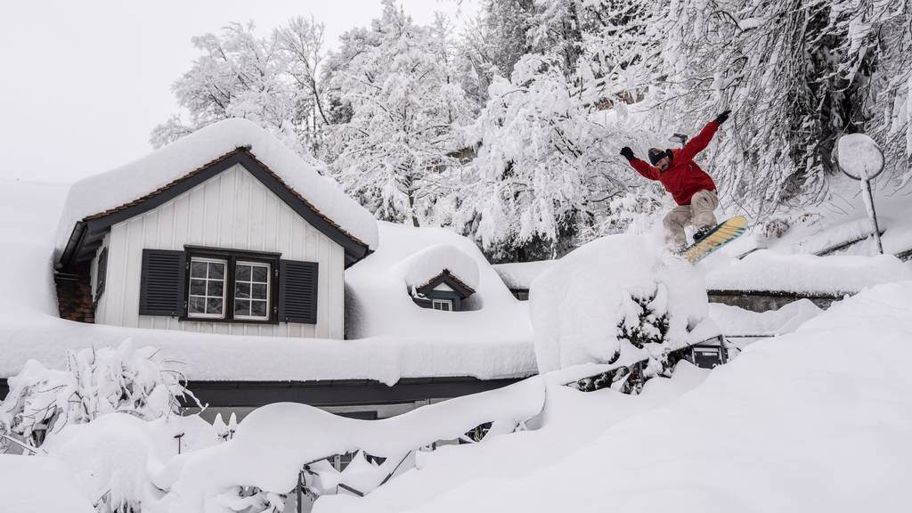 Hier brettert ein Ex-Snowboardweltmeister durch St.Gallen