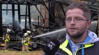 Auf dem Hirzberghof kämpften über 100 Feuerwehrleute gegen die Flammen. Zuerst ging es um die Rettung von Mensch und Tier.
