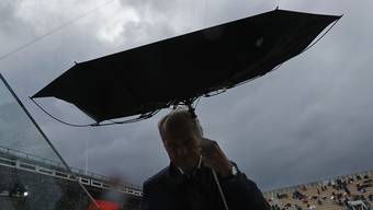 In Paris beendete das Wetter den Halbfinal-Tag vorzeitig