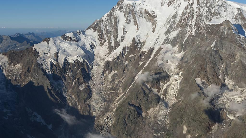 Italienisch-schweizerisches Forschungsteam bohrt auf dem Monte Rosa