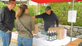 Serge Rougemont verkaufte Olivenöl aus Kroatien. Bild: Maurus Held
