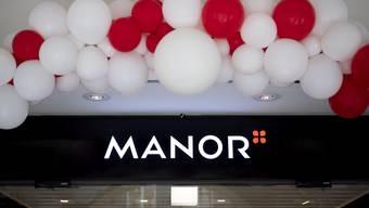 Schliesst ein Warenhaus und will zwei von 31 Supermärkte verkaufen: Manor.