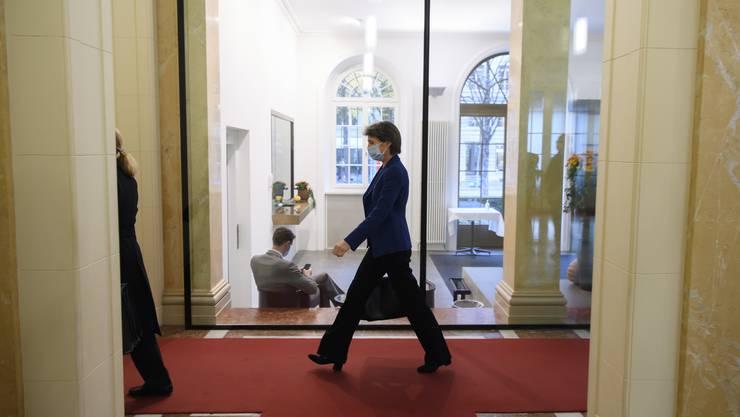 Bundespräsidentin Simonetta Sommaruga traf sich in Bern mit Vertretern der Regierungsparteien.