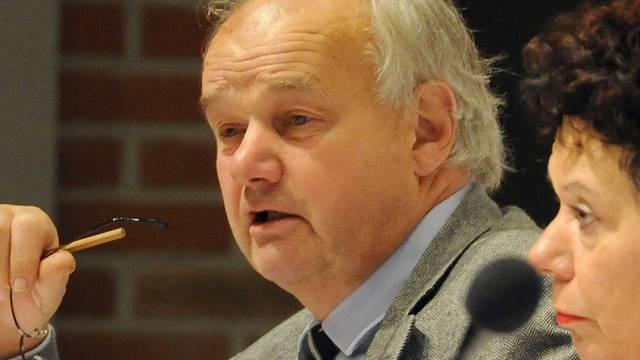 Finanzdirektor Christian Wanner konnte im Kantonsrat keine guten Neuigkeiten verkünden (rechts Regierungsrätin Esther Gassler).Ueli Wild