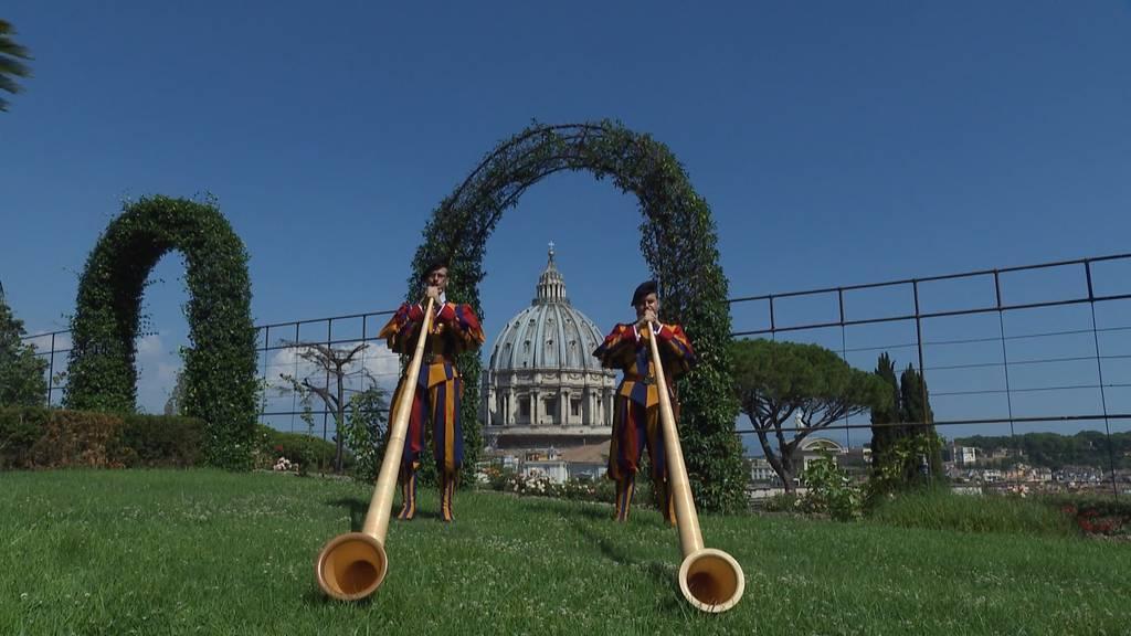 1. August-Grüsse der Päpstlichen Schweizergarde