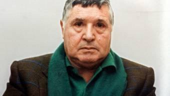 """Mafia-Boss Salvatore """"Totò"""" Riina, aufgenommen bei seiner Festnahme am 16. Januar 1993 in Palermo, darf das Gefängnis trotz seines schlechten Gesundheitszustands nicht verlassen."""