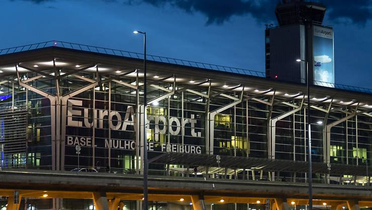 Starts nach 23 Uhr am EuroAirport Basel gehören wohl bald der Vergangenheit an. Von 23 bis 24 Uhr sollen nur noch Flugzeuge mit Verspätung starten dürfen.