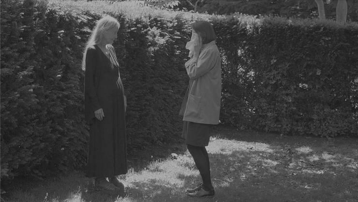 Was wird da gespielt? Videostill aus «Little Sunshine» von Joanna Piotrowska.