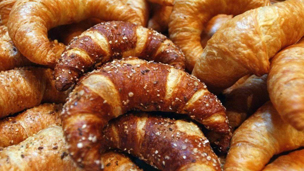 Kein Hunger nach dem Gurtenfestival: Heimkehrer können nun doch zwischen 2 und 6 Uhr morgens in der Bäckerei Gipfeli kaufen. Der Regierungsstatthalter setzte «Gipfeli Gate» ein Ende. (Symbolbild)