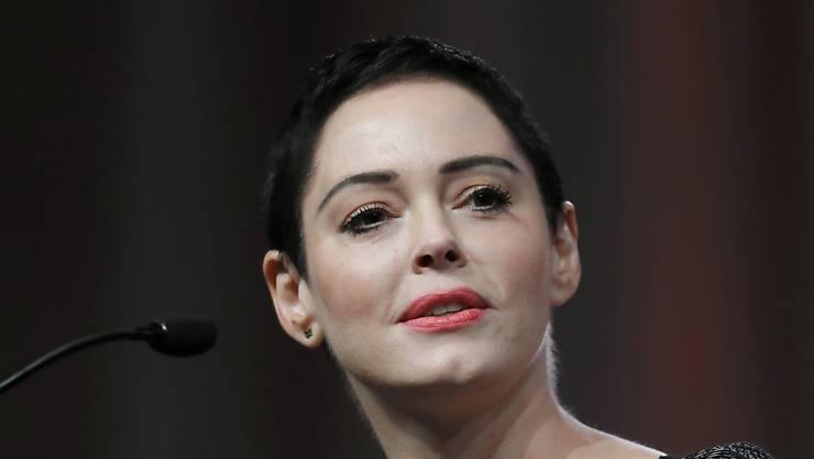 Die Schauspielerin Rose McGowan hat den einstigen Hollywoodmogul Harvey Weinstein verklagt, weil er versucht haben soll, sie angesichts von Vergewaltigungsvorwürfen mundtot zu machen. (Archivbild)