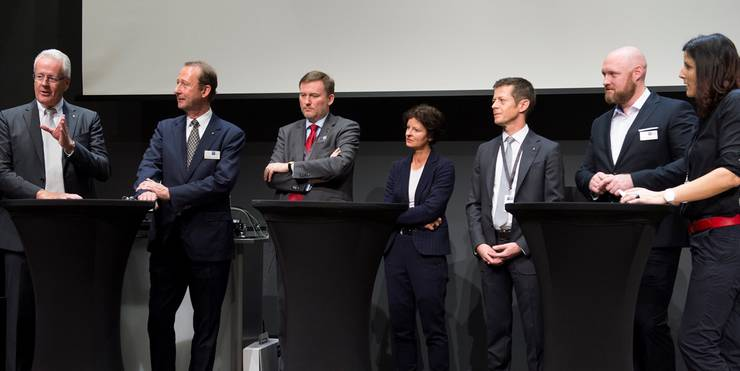 Von links: Werner Eglin, Roberto Scheuer (Direktor Trafo), Reto Leder (Marketingchef), Uta Kroll (Leiterin Kongress, Zürich), Thomas Lütolf (Standortmarketing Baden), Erik Roedenbeck (Direktor Trafo-Hotel), Sandra Kohler (Podiumsleiterin). Alex Spichale
