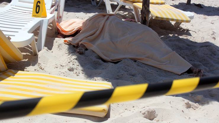 Mindestens 37 Menschen wurden beim Anschlag in Tunesien getötet.