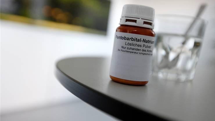 Sterben durch Natriumpentobarbital: Dr. med. Michel Romanens stellt infrage, ob Sterbehilfeorganisationen immer mit genügend Sorgfalt vorgehen.