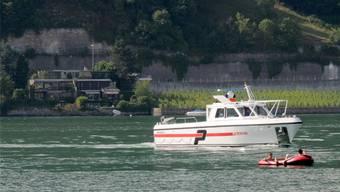 Polizeipatrouille auf dem Bielersee nach dem Unglück (Archivbild).