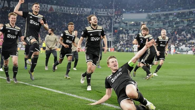 Der 19-jährige Ajax-Captain Matthijs de Ligt (vorne) köpfelte die «jungen Wilden» aus Amsterdam in den Halbfinal.