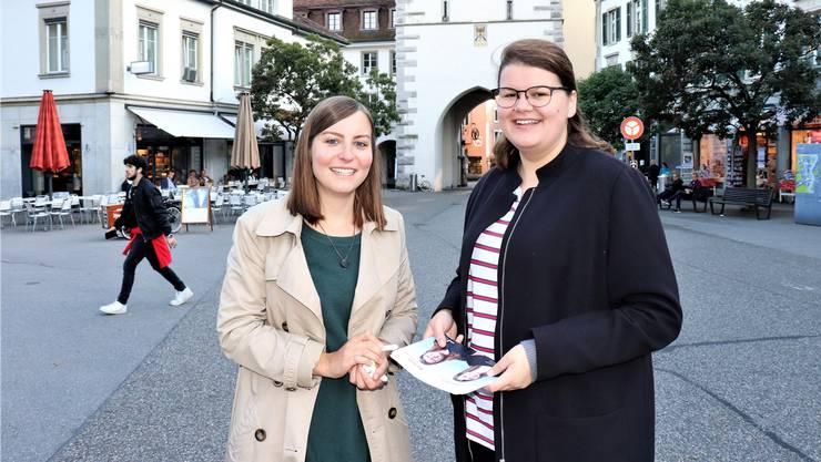 Sie wollen Gleichstellung in allen Lebensbereichen: Elena Flach (l.) und Mia Gujer (beide SP).