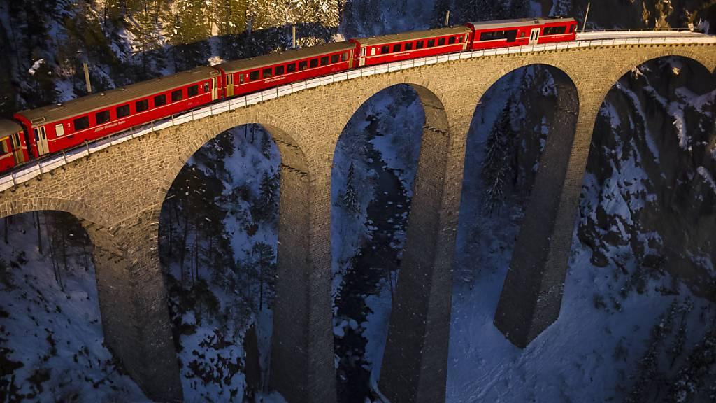 Die Rhätische Bahn hat 2021 einen Verlust von 6,9 Millionen Franken eingefahren. (Archivbild)