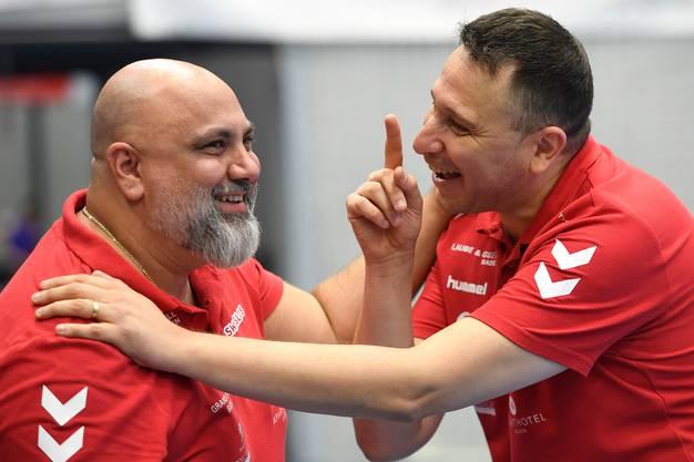 Arak Kin (links) darf ebenfalls an die WM fahren. TVE-Trainer Zoltan Majeri (rechts) hat damit kein Problem.