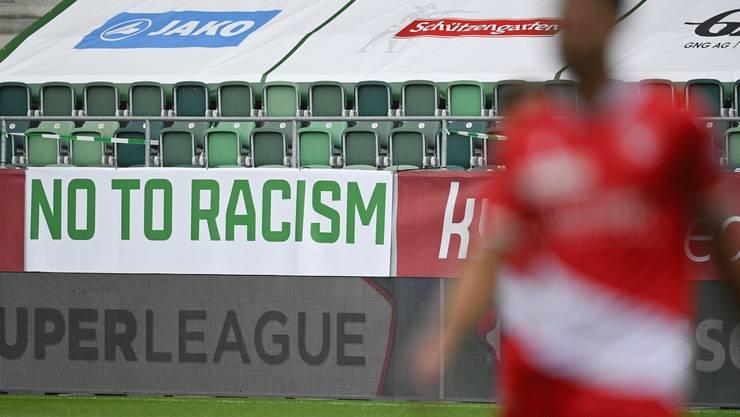 Nein zu Rassismus: Der FC St.Gallen distanzierte sich auch beim Heimspiel vom Sonntag gegen Thun in aller Deutlichkeit von Rassismus.