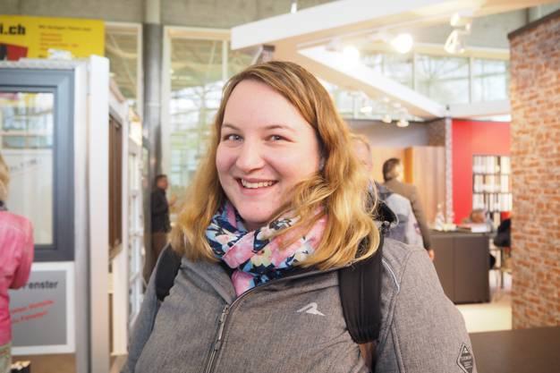 Sandra W., Hüttikon (ZH): «Mein Mann und ich planen einen Umbau. Wir haben viel Interessantes gesehen, etwa Türen mit elektronischem Schloss. Das Schöne an der Frühlingsmesse ist, dass sie über ein überschaubares Areal mit vielen Ausstellern verfügt, darunter auch zahlreiche aus der Region.»