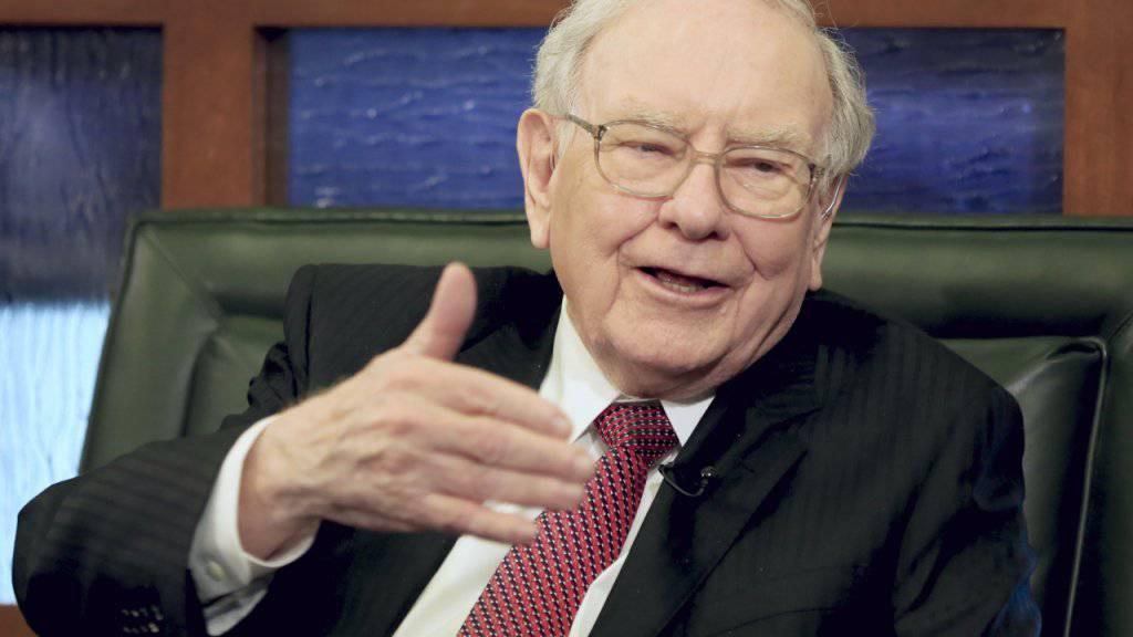 Das Investment-Orakel Warren Buffett, mittlerweile 86-jährig, verkündet einen weiteren Milliardengewinn. (Archivbild)