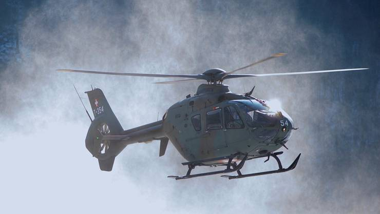 Ein Eurocopter der Schweizer Armee im Anflug.