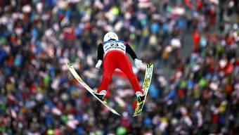 Skispringen: Ein kleiner Sensor auf den Ski soll ab dieser Weltcup-Saison neue Erkenntnisse zum perfekten Sprung liefern.