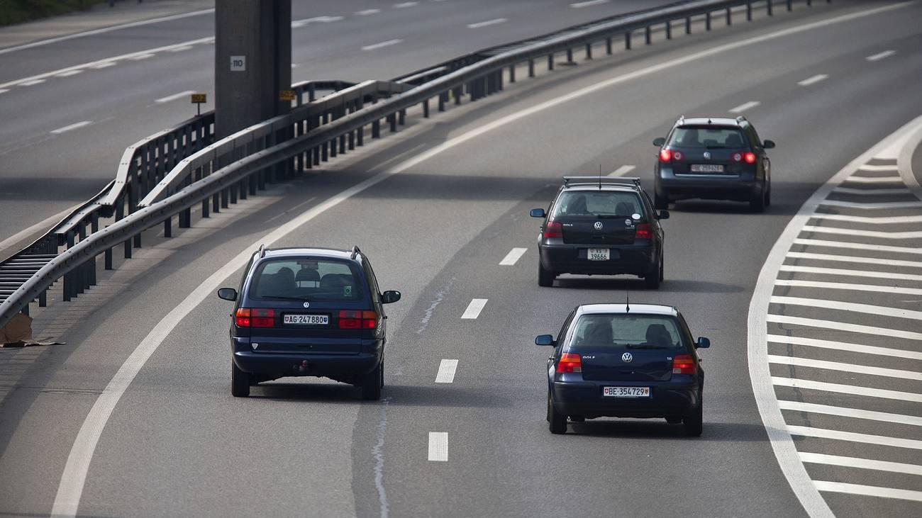 Rechts Vorbeifahren Autobahn