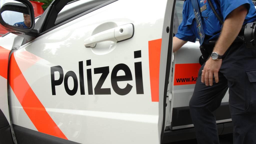 25-Jähriger rennt auf Strasse und wird verletzt