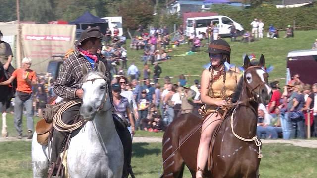 Hunderte Zuschauer am Bauernpferderennen in Schwarzenburg