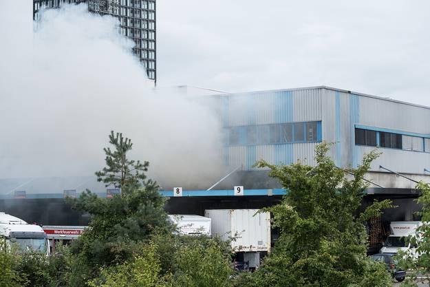 Der Rauch war weithin sichtbar.