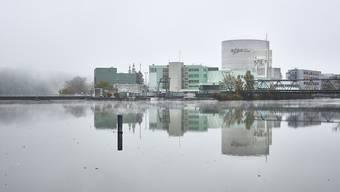 Der Reaktor-Block 1 des Kernkraftwerks Beznau in Döttingen AG. Die Nuklearanlage ist seit 1969 in Betrieb und damit einer der weltweit ältesten Atomreaktoren. (Archivbild)