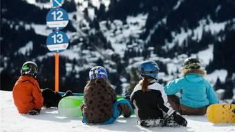 Kinder verbringen ihr Skilager in der Lenzerheide.