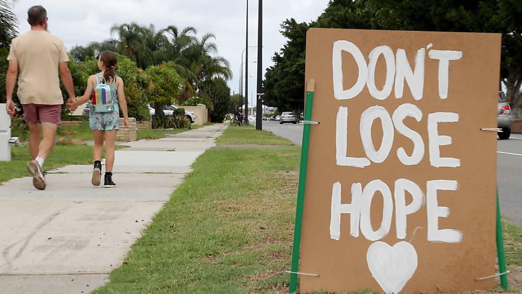 «Don't lose hope» – «Verlier die Hoffnung nicht» – heisst es am Wegrand.