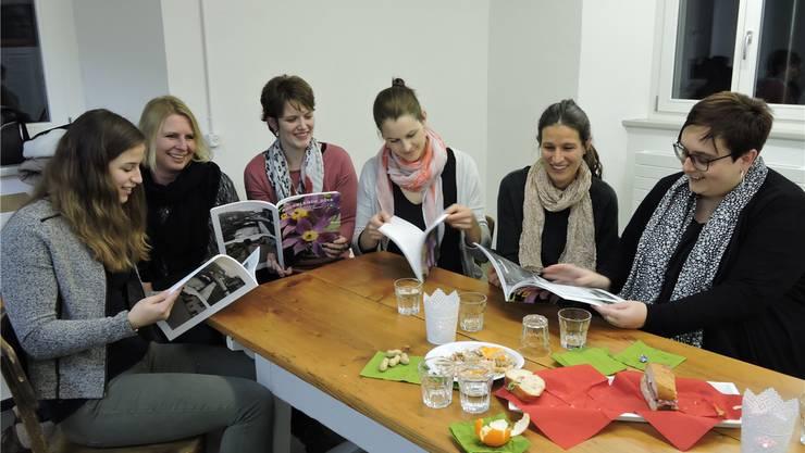Engagieren sich für die Chronik (v.l.): Noemi Freiermuth, Gabi Reimann, Jasmin Koch, Andrea Münger, Sarah Buchmann und Martina Schütz. bI