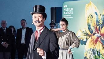 Die Schauspieler führten in Windisch durch die Jahreseröffnung von Museum Aargau.