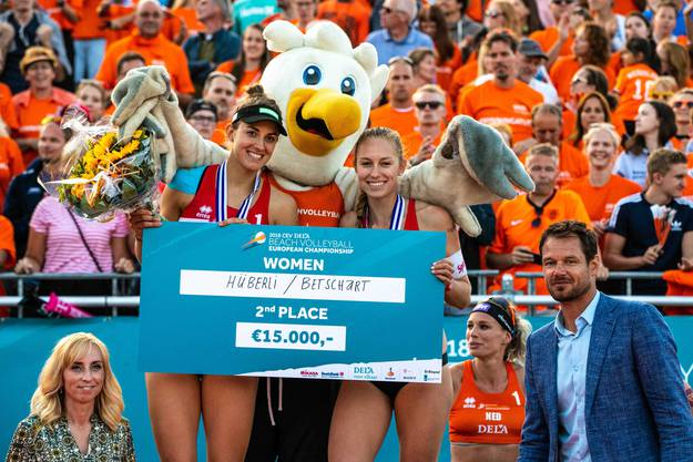 Vor einem Jahr gab es für Tanja Hüberli (links) und Nina Betschart EM-Silber.