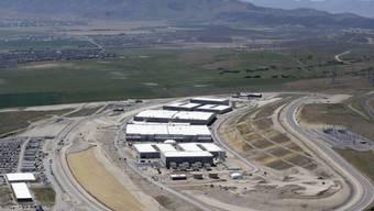 Rechen- und Datenzentrum der National Security Agency (NSA) in Utah: Der US-Geheimdienst muss Teile seiner Ausspähprogramme herunterfahren, weil sich der US-Senat nicht auf eine neue Gesetzesgrundlage geeinigt hat (Archiv)