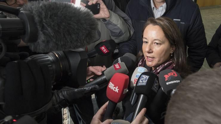 Pflichtverteidigerin Renate Senn nach der Urteilsverkündung vor den Medien. Prozess gegen Vierfachmörder Thomas N. am Aargauer Obergericht, Aarau, 13. Dezember 2018.
