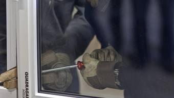 Die Kantonspolizei warnt vor erhöhter Einbruchsgefahr.