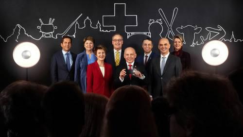 Perspektivenwechsel: Auf dem Bundesratsfoto 2019 fotografiert Ueli Maurer das Volk.
