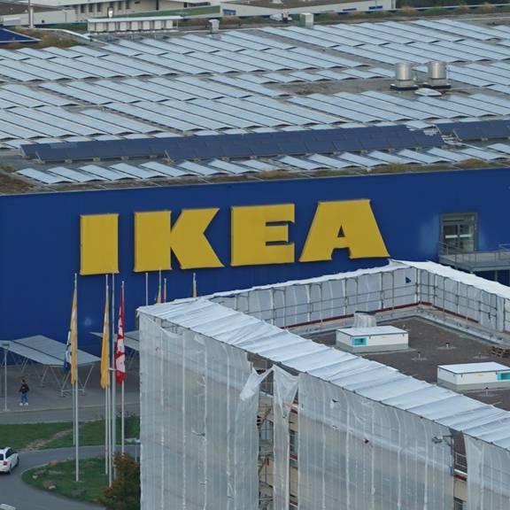 Spreitenbach Vizepräsident Markus Mötteli zu Ikea Möbel