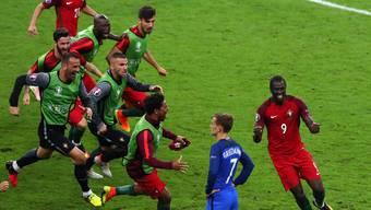 Portugals Fussballer feiern zum ersten Mal einen grossen Triumph.
