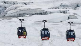 Gestrandete Gondel-Passagiere am Mont Blanc