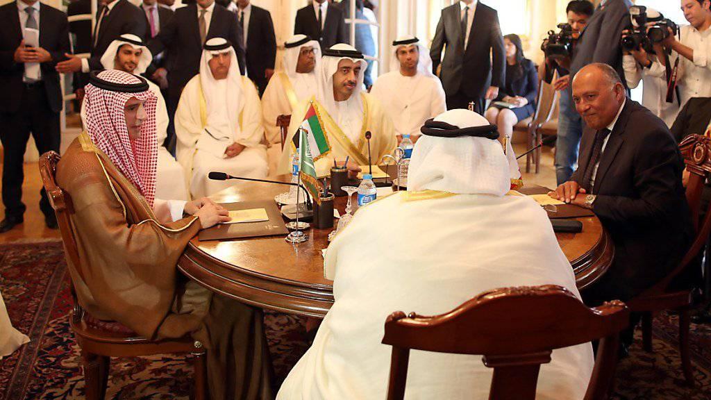 Die Minister aus Saudi-Arabien, den Vereinigten Arabischen Emiraten, Ägypten und Bahrain konnten sich bei ihrem Treffen in Kairo nicht auf neue Sanktionen gegen Katar einigen.